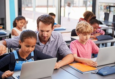 Chromebooks, iPads of Windows laptops in de klas?